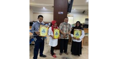 MENERIMA PENGHARGAAN JUARA III SEKOLAH SEHAT TINGKAT PROVINSI KALIMANTAN TIMUR TAHUN 2019